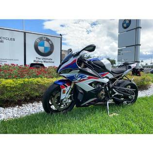 2018-bmw-s1000rr-67233-cover-image